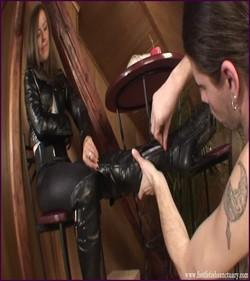 Name: FFS-005 - Mistress Jessica - Dirty Boot Trampling |