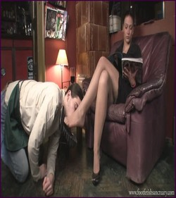 Name: FFS-014 - Mistress Larissa - Worshiping Larissa's Shoes And Feet |