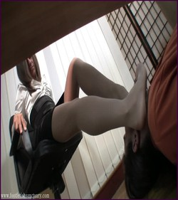 Name: FFS-023 - Mistress Jessica - Assume Position Under The Table |