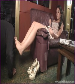 Name: FFS-025 - Mistress Amanda - Shoes, Feet And Chocolate Cake |
