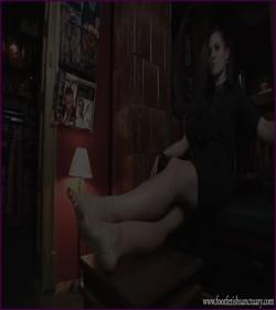 FFS-030 - Mistress Amanda - Suck Those Dirty Toes