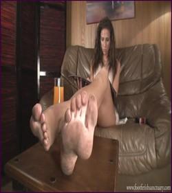 Name: FFS-031 - Mistress Maria - Dirty Feet Close-Up |