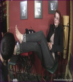 Name: FFS-041 - Goddess Victoria - The Place For You - Under My Soles! |