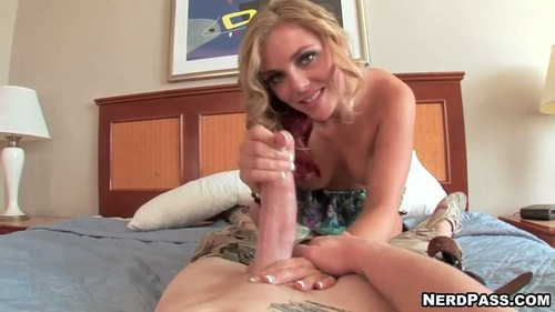 Nikki James Handjob #2182