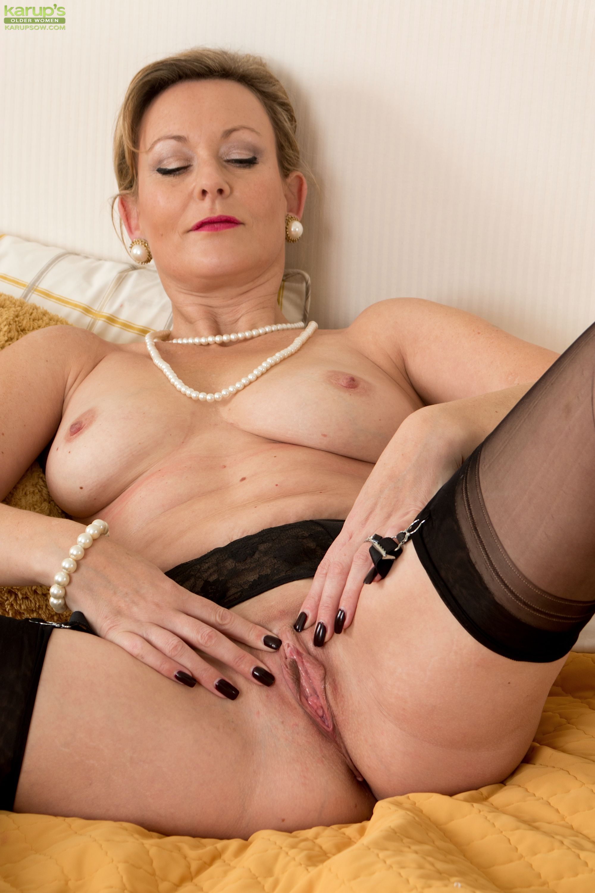 Mature Sex Pictures - Hot Categories